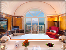 Suite at the Bellevue Syrene in Italy