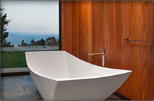 Large soaking tub of the Post House bathroom